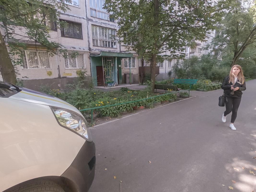 18 августа в Киеве по адресу улица Милютенко, 40/16 произошел жуткий инцидент - мужчина нанес ножевое ранение своему брату
