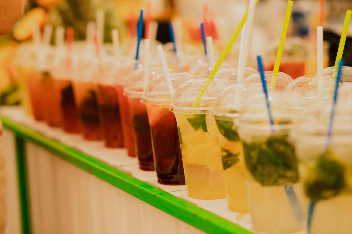 Хороший напиток и освежит в летний день и настроение поднимет