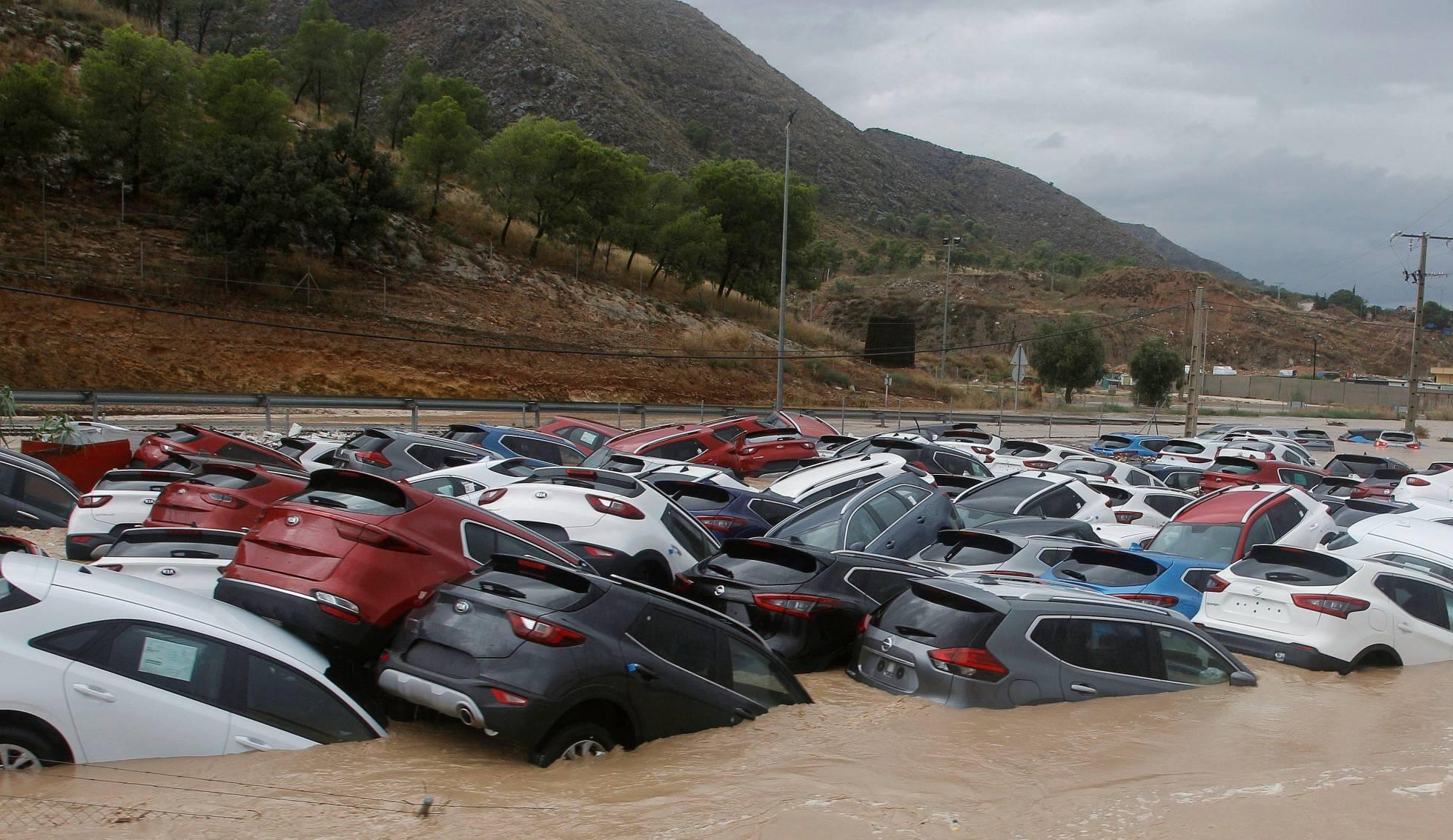 В Испании из-за сильных дождей погибли три человека