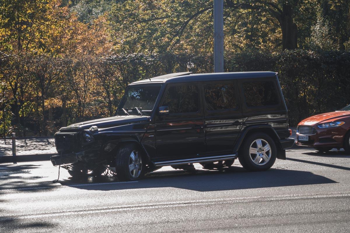 В Соломенском районе столкнулись Mercedes и Volkswagen