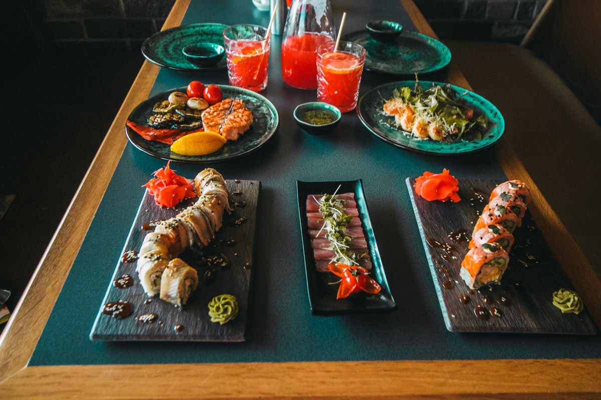 """Вкуснейшие роллы, суши и сашими уже ждут вас в """"Евразии"""""""