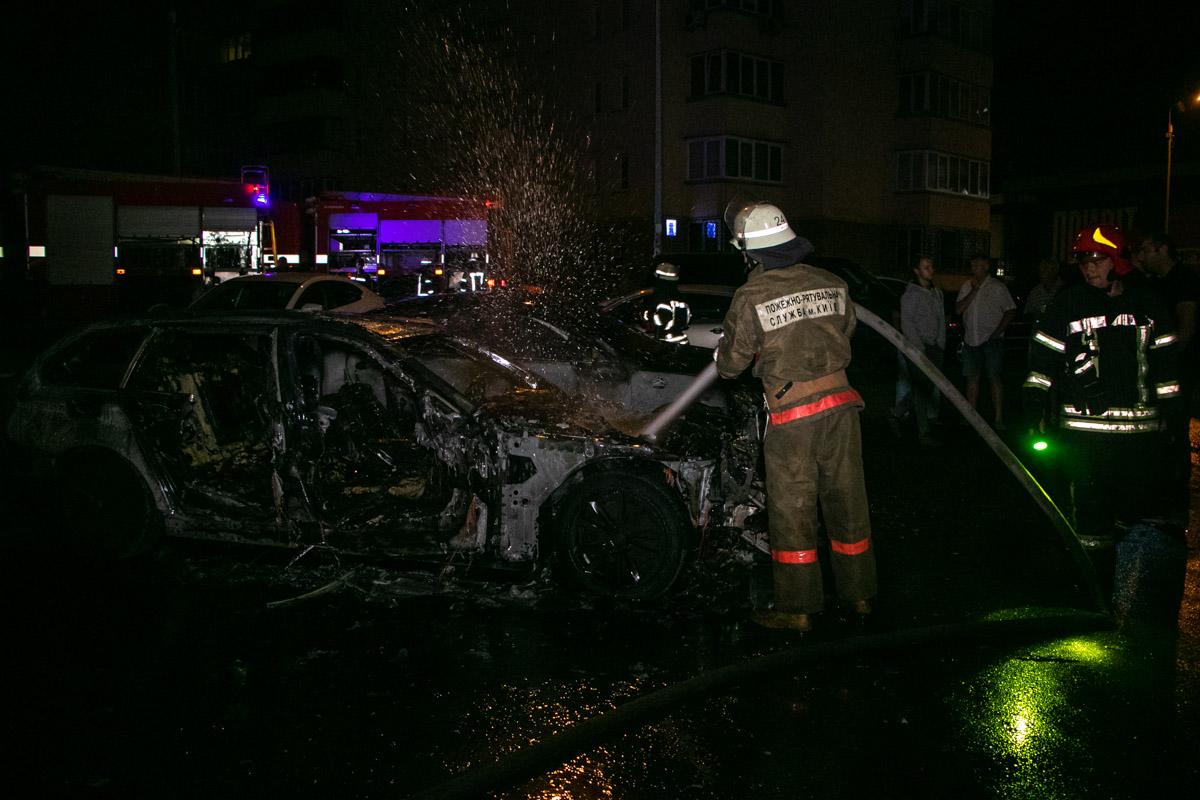 Прибывшие спасатели оперативно ликвидировали возгорание