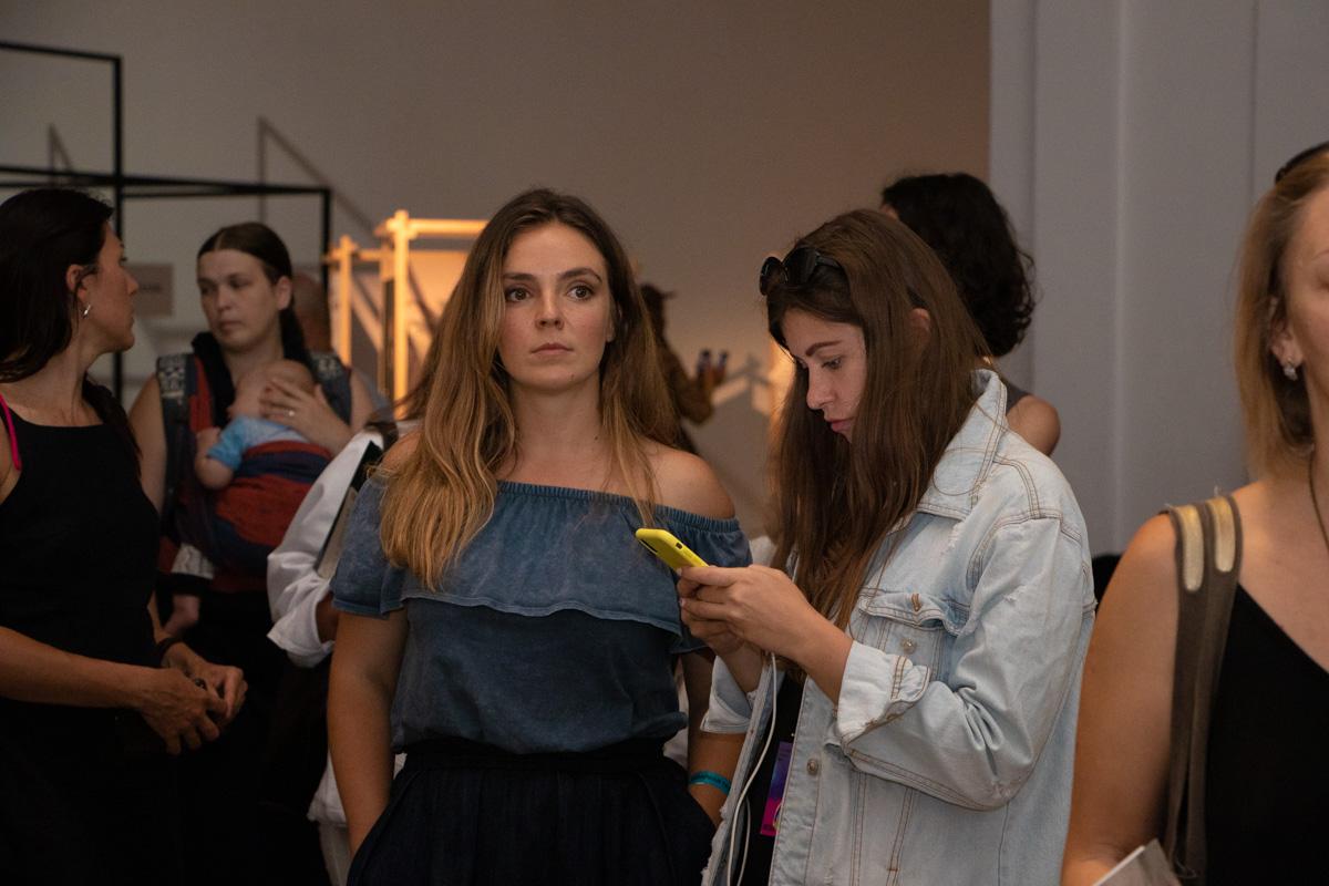 Пиар-менеджер KLAPTYK Диана Карпенко и редактор Информатора Алина Харавасил