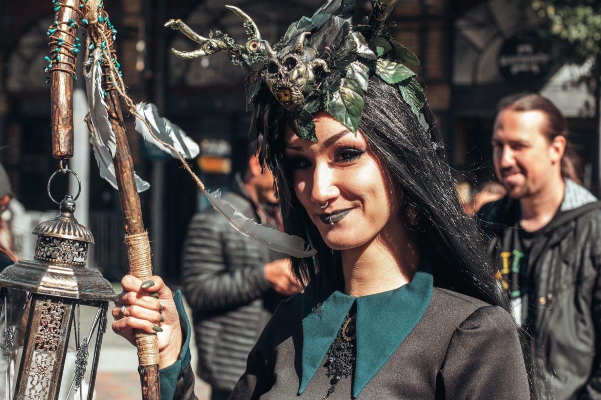 Посмотрите, с какой ответственностью участники фестиваля подошли к костюмам