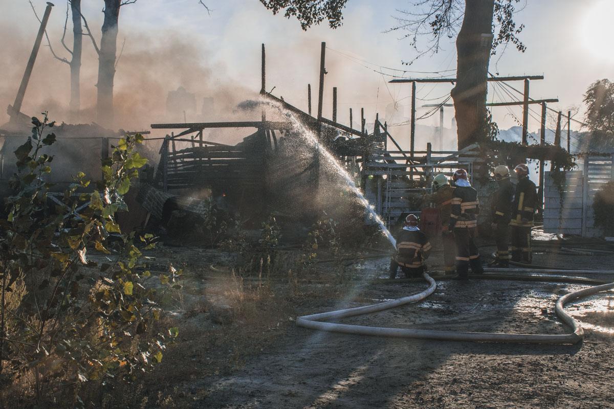 Огонь практически полностью уничтожил комплекс