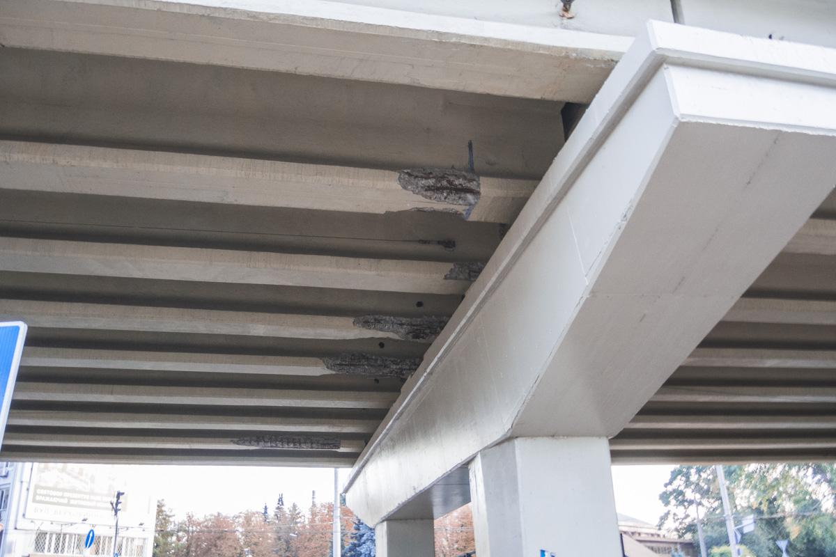 Удивительно, что этот мост открылся после ремонта всего два года назад