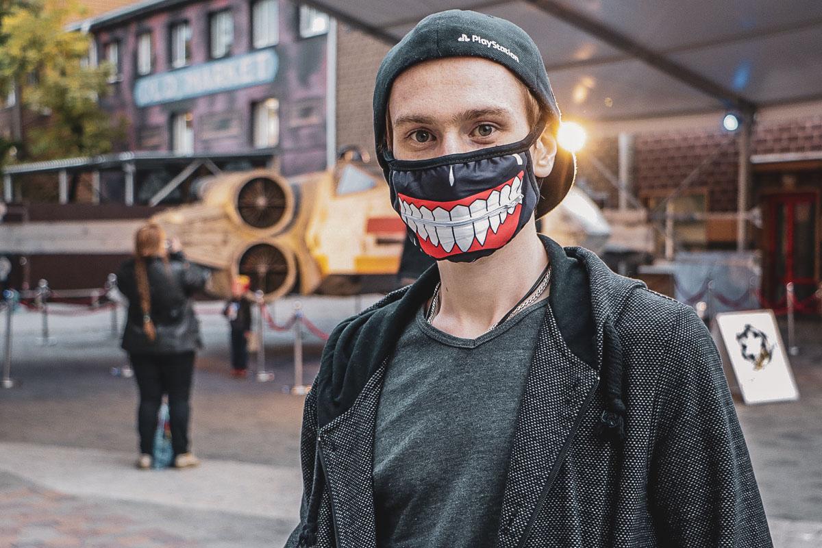 Улыбок на Comic Con Ukraine хватает и вполне реальных и настоящих