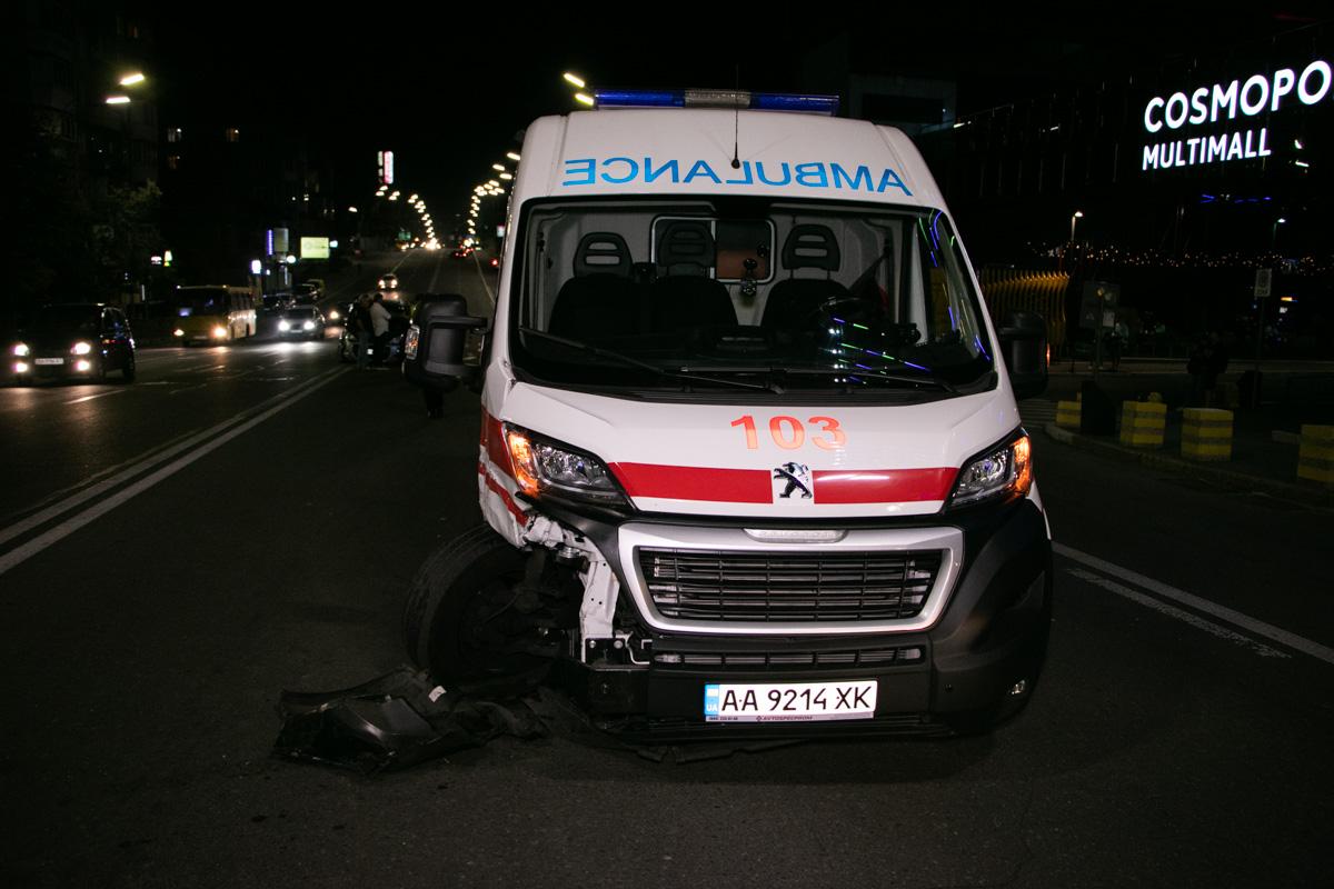 Врачи везли в больницу больного ребенка