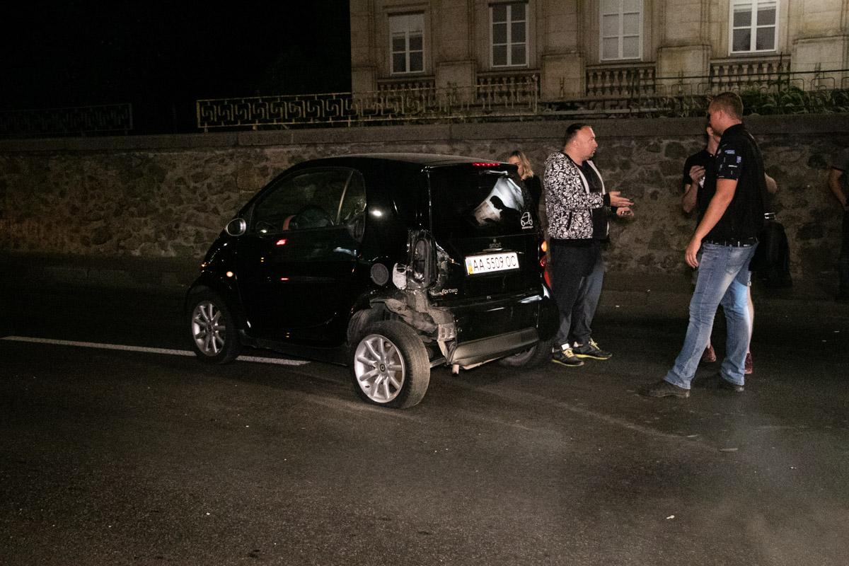 VW ударил Smart. Здесь обошлось без пострадавших