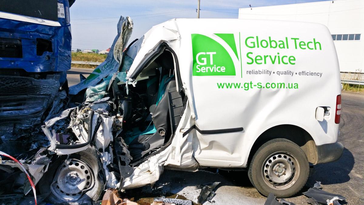 Сотрудники фирмы-владельца авто сообщили, что погибший отличался очень аккуратной ездой