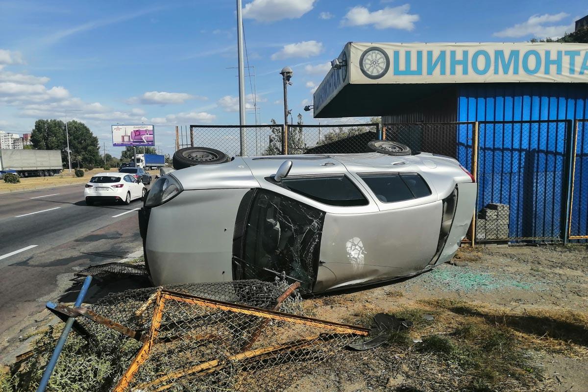 В Киеве столкнулись два Renault