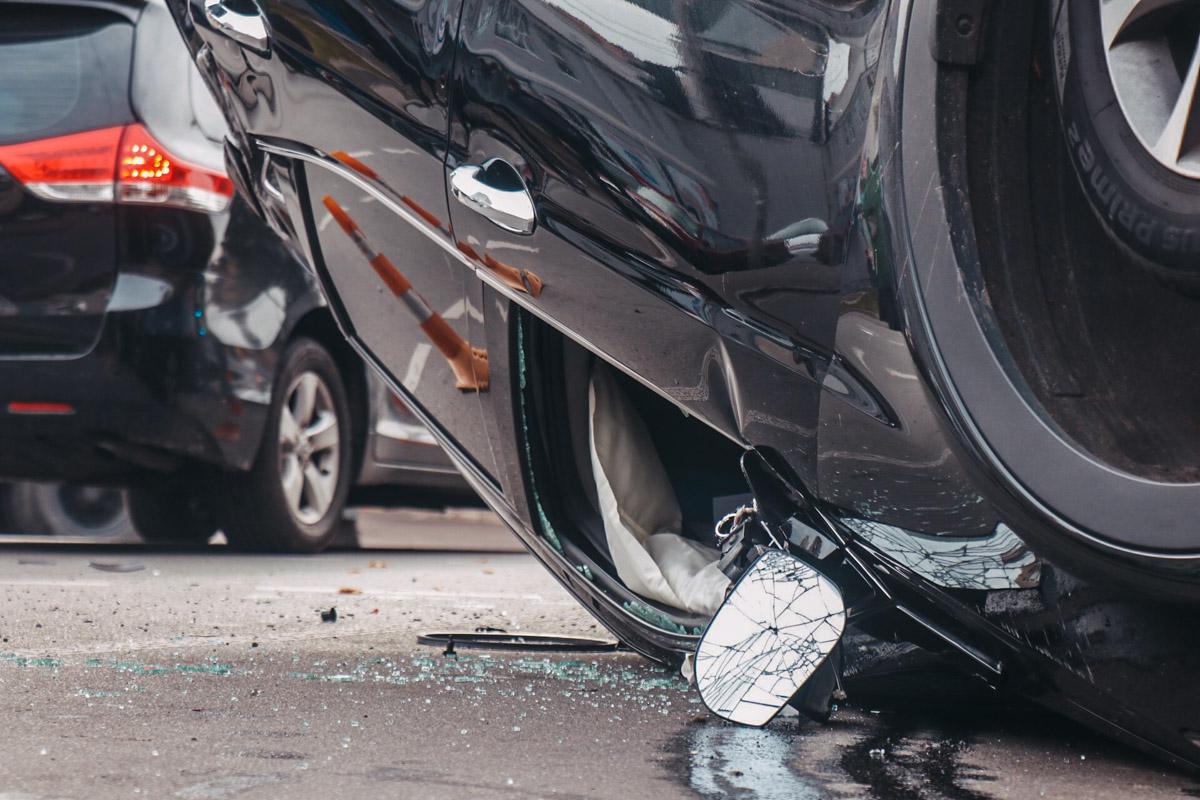 В салоне обеих машин сработали подушки безопасности, потому водители и пассажиры не получили серьезных травм