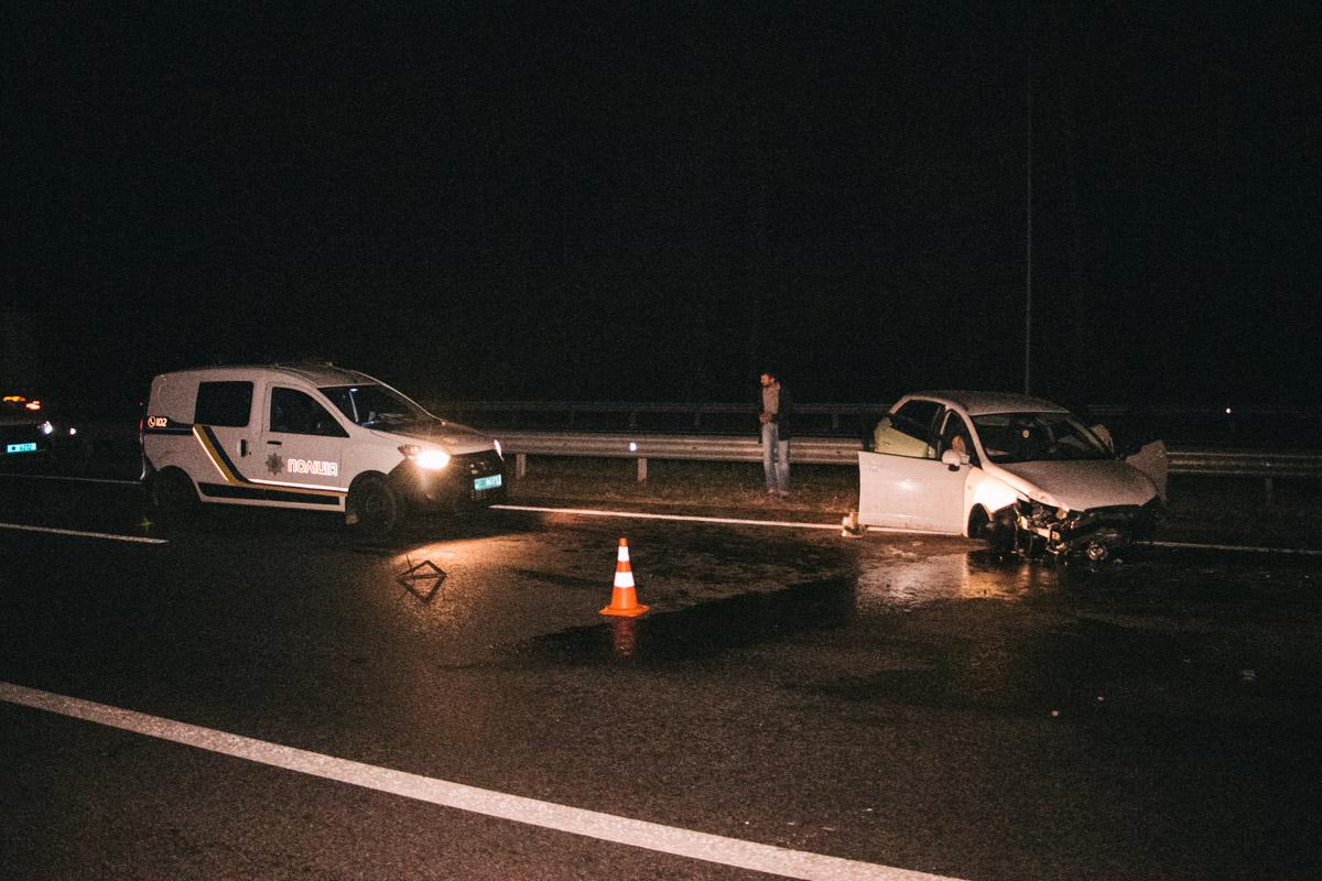 В пятницу, 13 сентября, под Киевом на Одесской трассе произошла авария с участием двух автомобилей