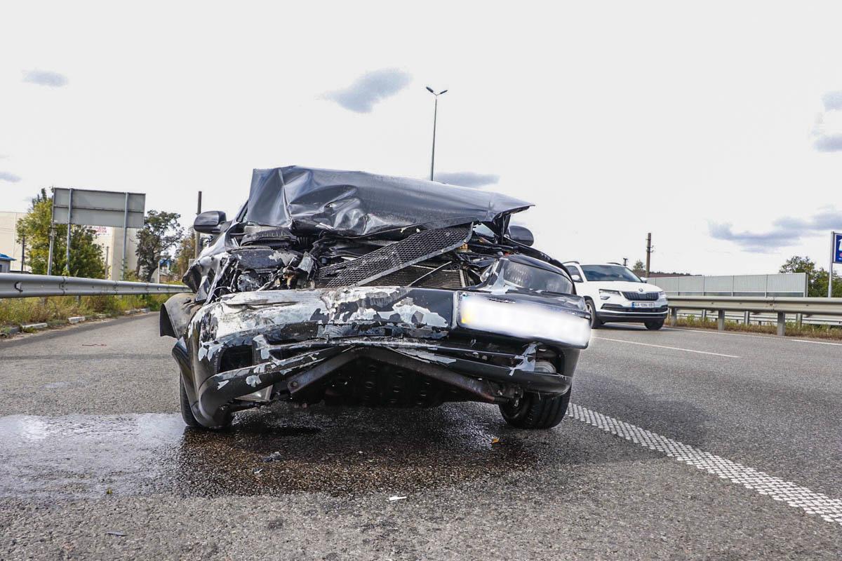 Из-за аварии в сторону Киева образовалась пробка