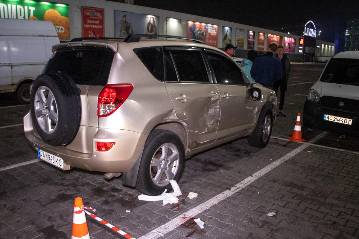 Водитель Volkswagen и два пешехода угодили в больницу