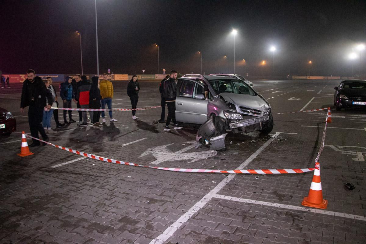 На парковке ТРЦ Lavina случилась масштабное ДТП