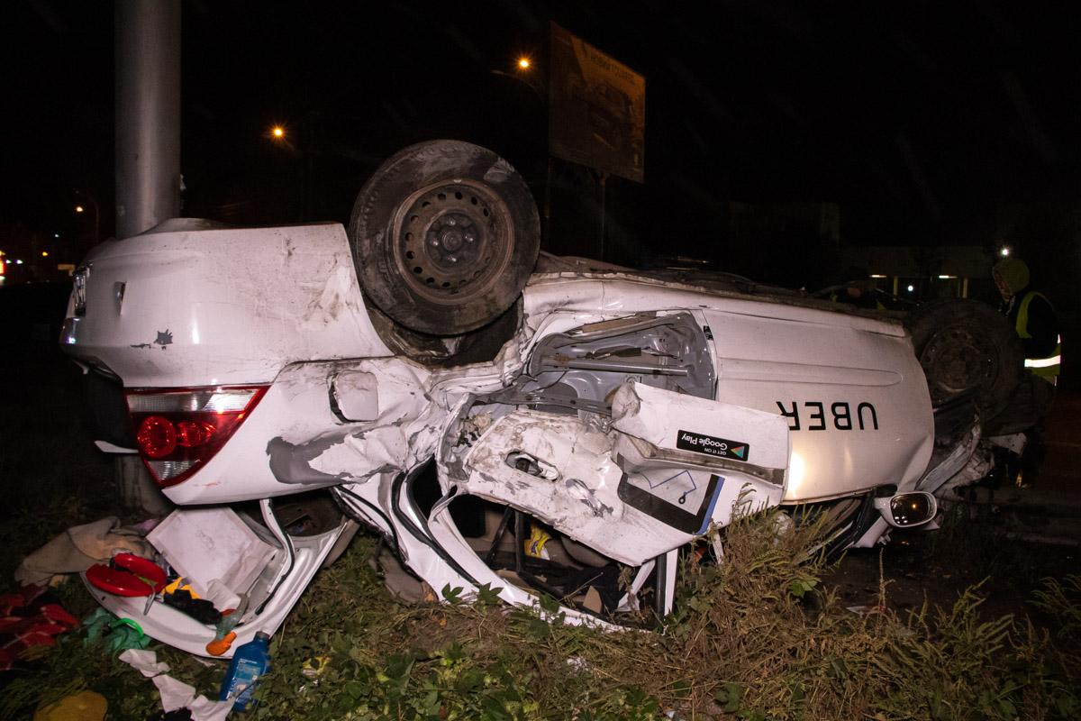 Водителя и пассажира госпитализировали в тяжелом состоянии