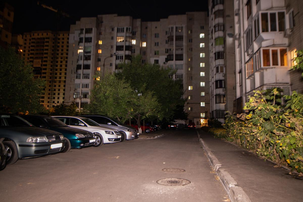 В Святошинском районе Киева на улице Василия Стуса, 9 установят сеть наружного освещения придомовой территории