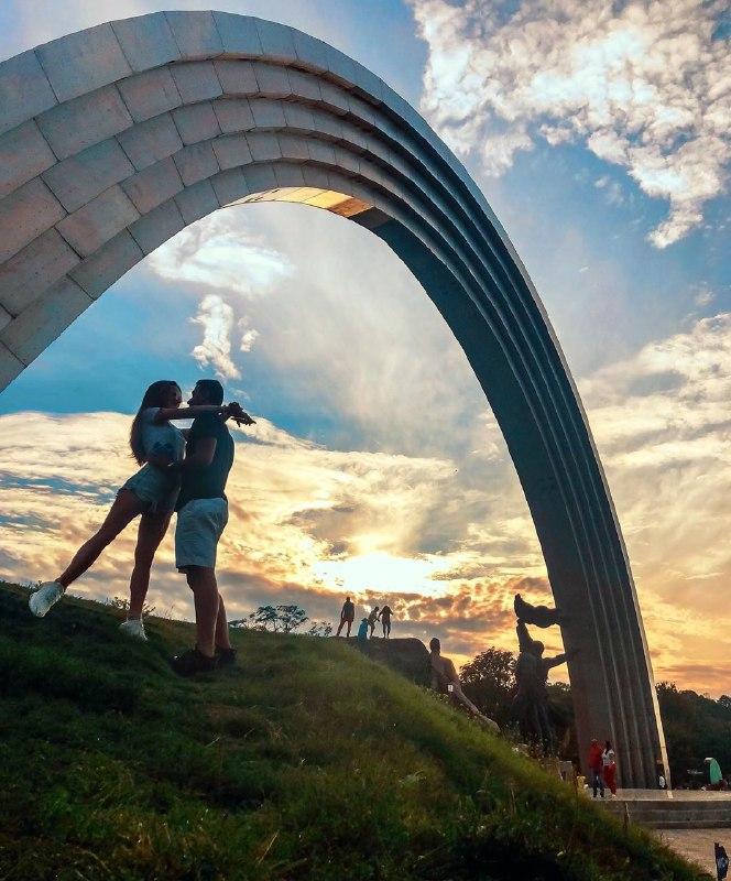 Любим ваши киевские lovestory. Фото: @dawunka
