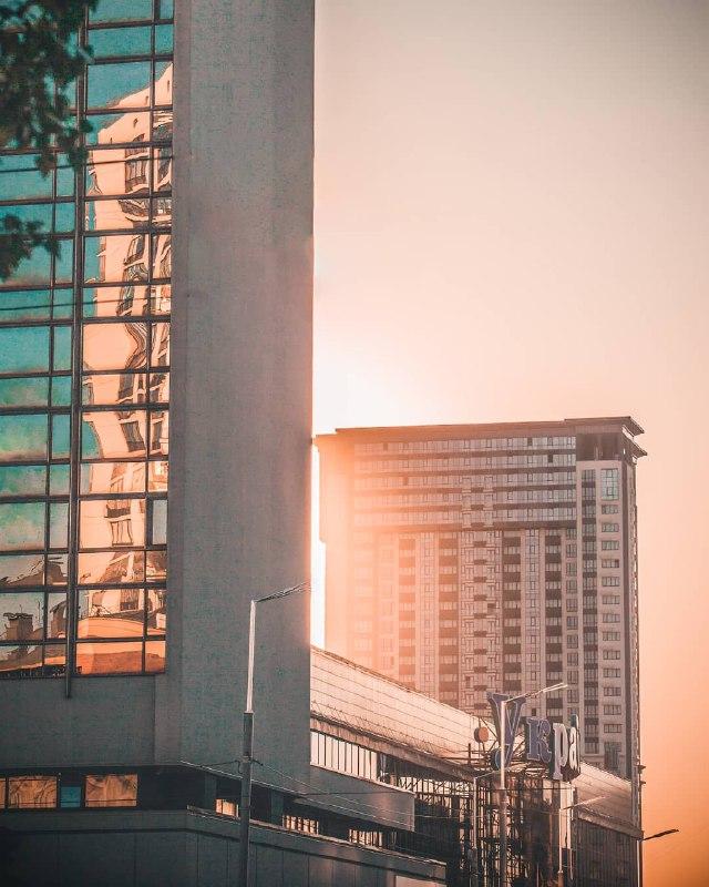 Блики городского настроения. Фото: @kv4dromax