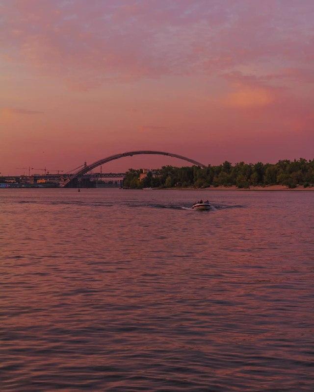 Розовый в розовом с розовым. Фото: @maks_kalinichiy