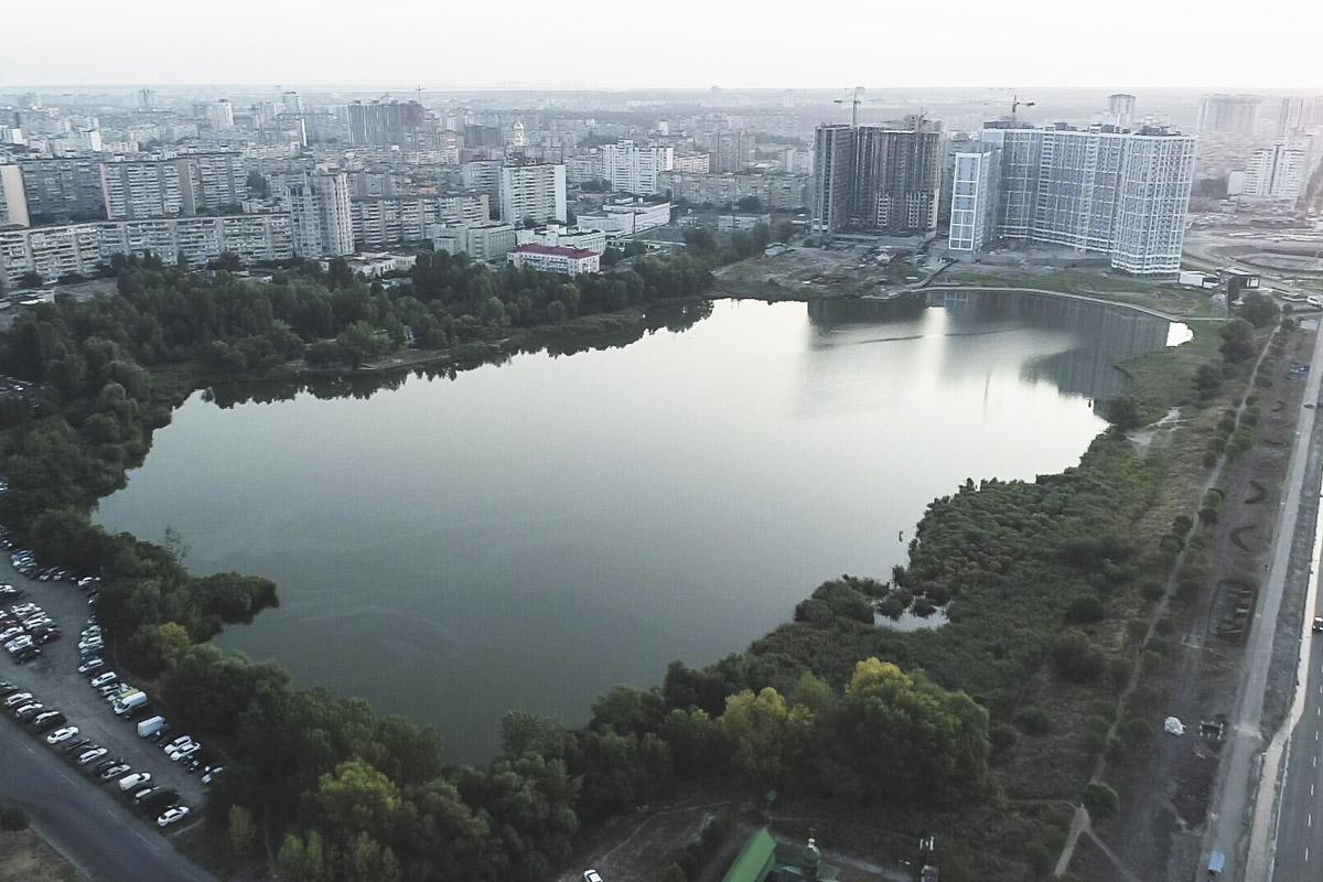 Состояние таких озер как Лебединое - крайне важная вещь, ведь каждое лето подобные водоемы становятся центрами отдыха для жителей Киева