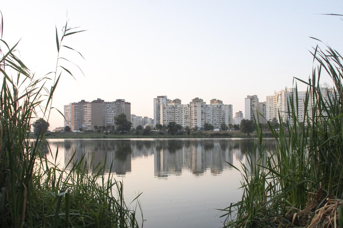 Да и в целом - такая близость природы к застройке и можно считать отличительной чертой Киева как мегаполиса