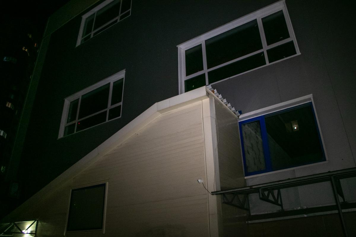 На Урловской 14-летний подросток сорвался с крыши