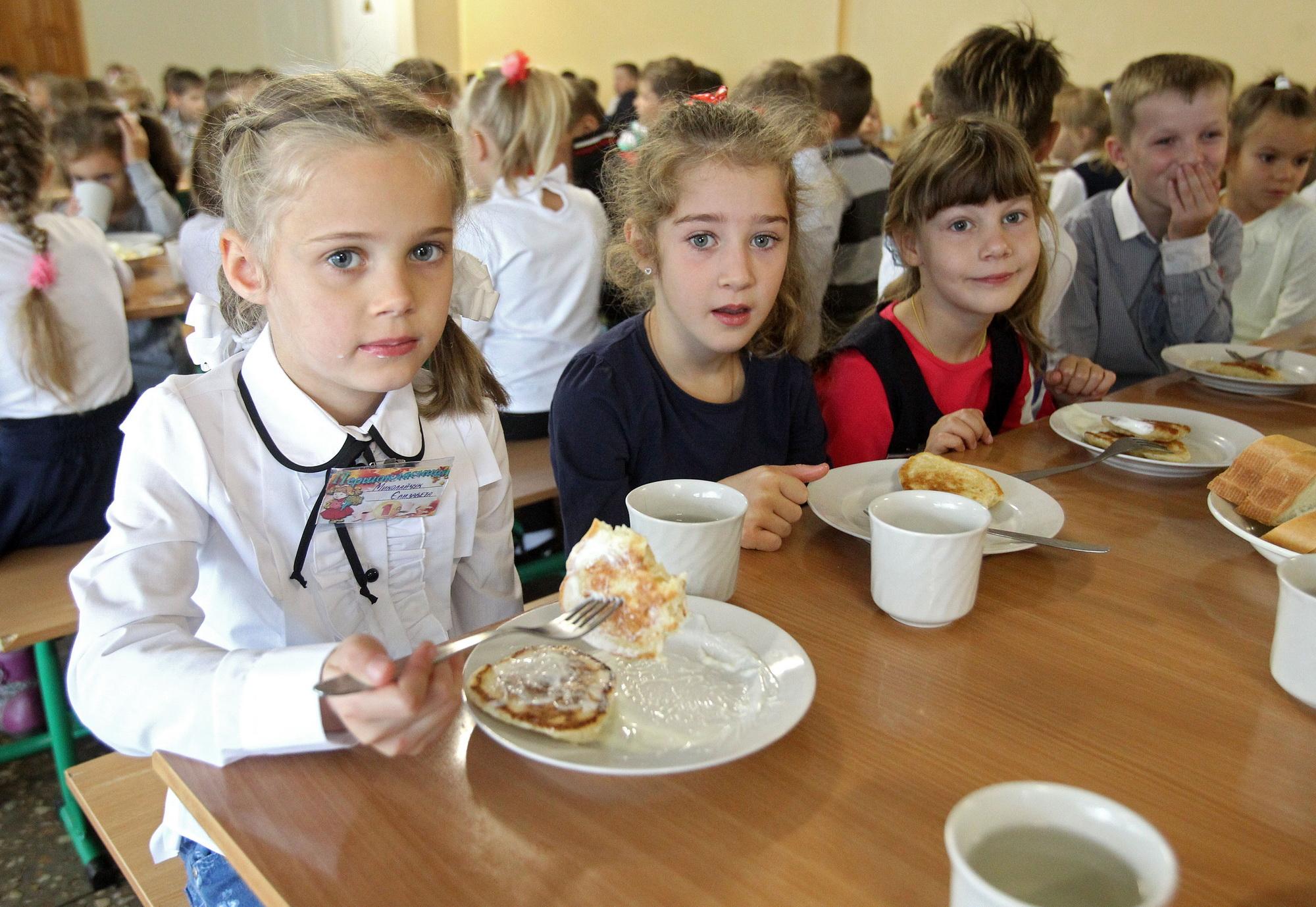 По просьбам родителей столичные власти начали проводить проверки в школах
