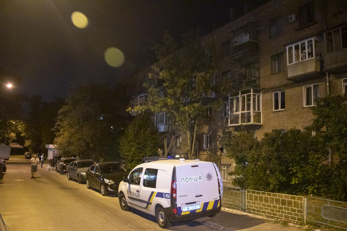 в Киеве по адресуулица Кустанайская, 7 мужчине нанесли три ножевых ранения