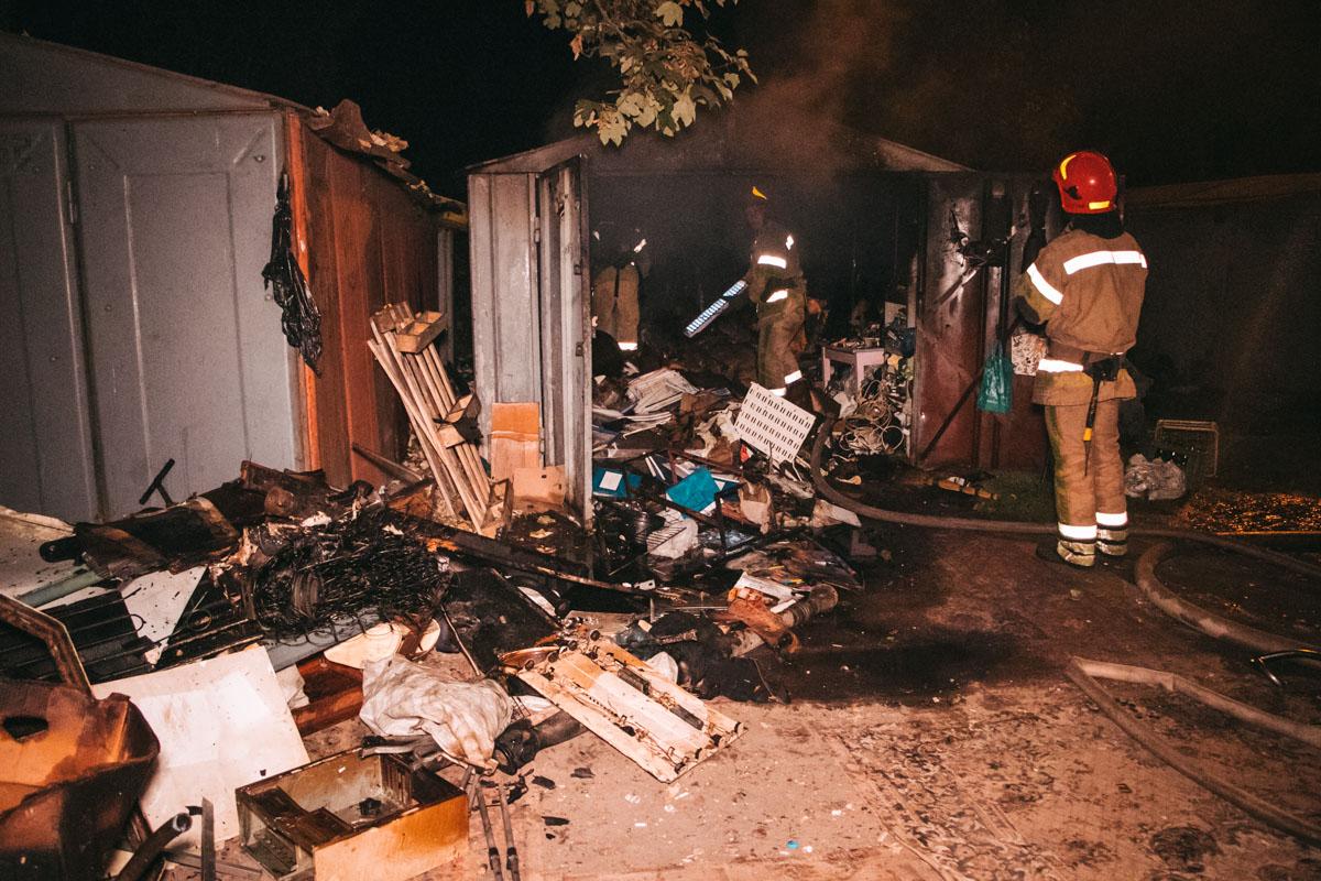 В ночь на 8 сентября в Киеве по адресу улица Академика Туполева, 18д произошел пожар