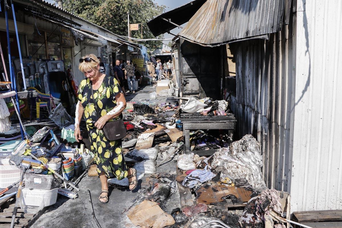 К сожалению, не обошлось без пострадавших — продавщица торговой точки надышалась угарным газом
