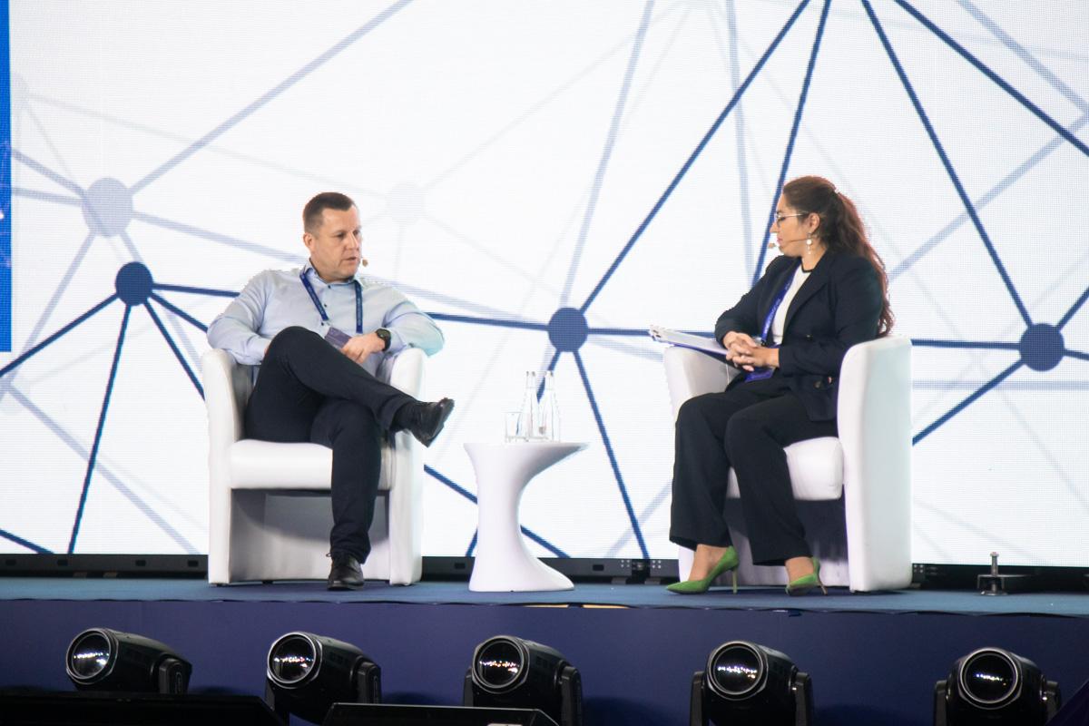 По словам Петра, ПриватБанк стремиться использовать для оплаты только биометрику