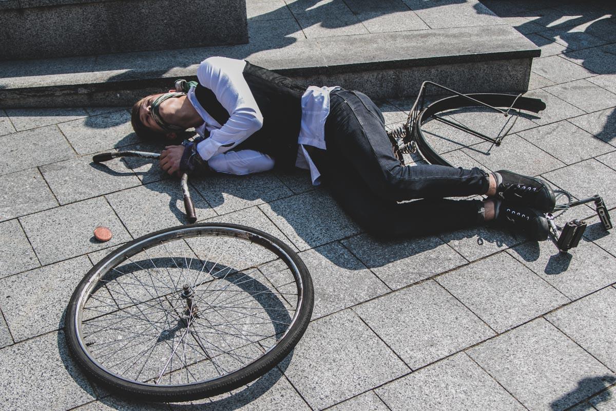 В рамках представления артисты рассказали о более чем столетней истории велотрека
