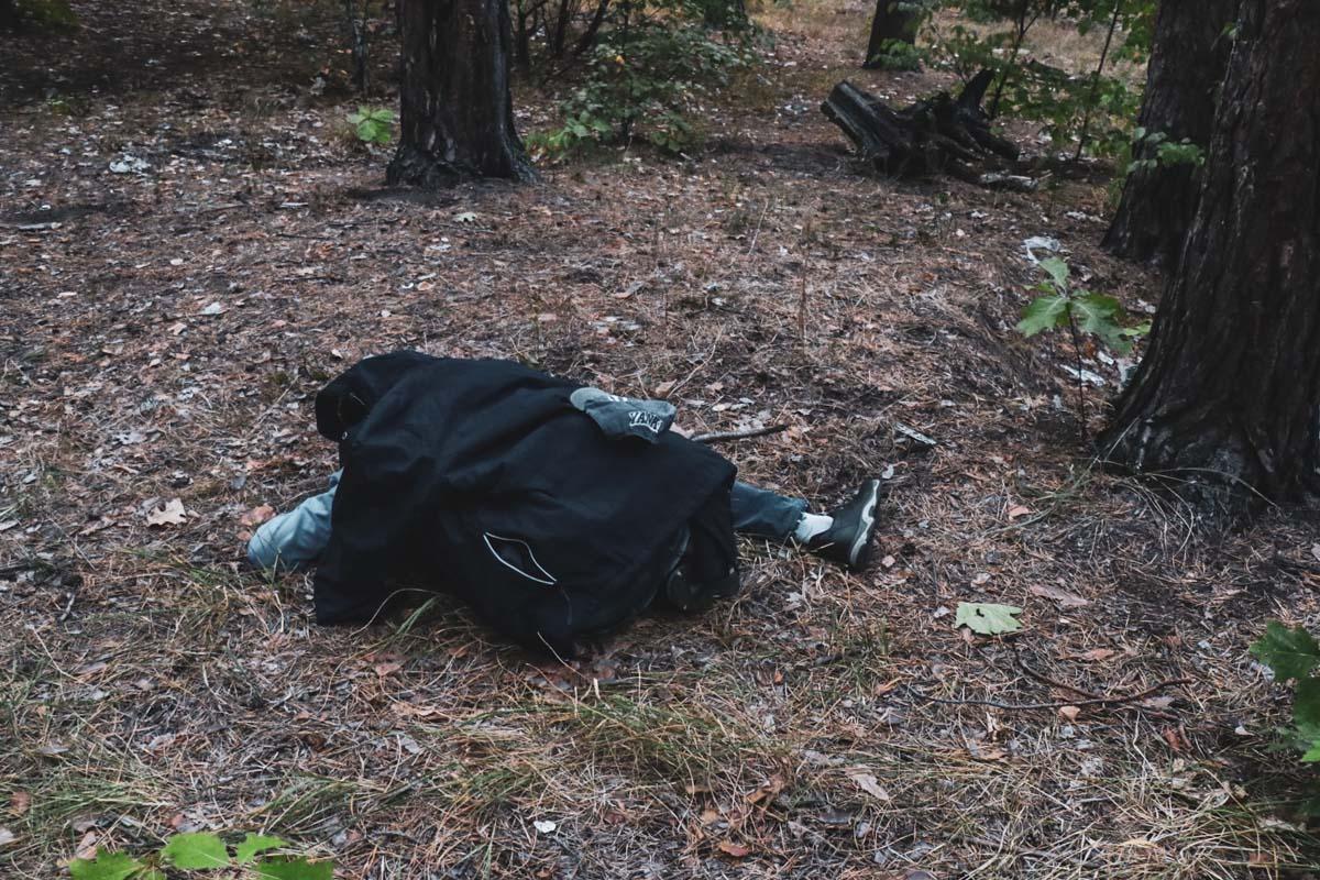 21 сентября в Деснянском районе Киева на улице Братиславской прохожие обнаружили мужчину без признаков жизни
