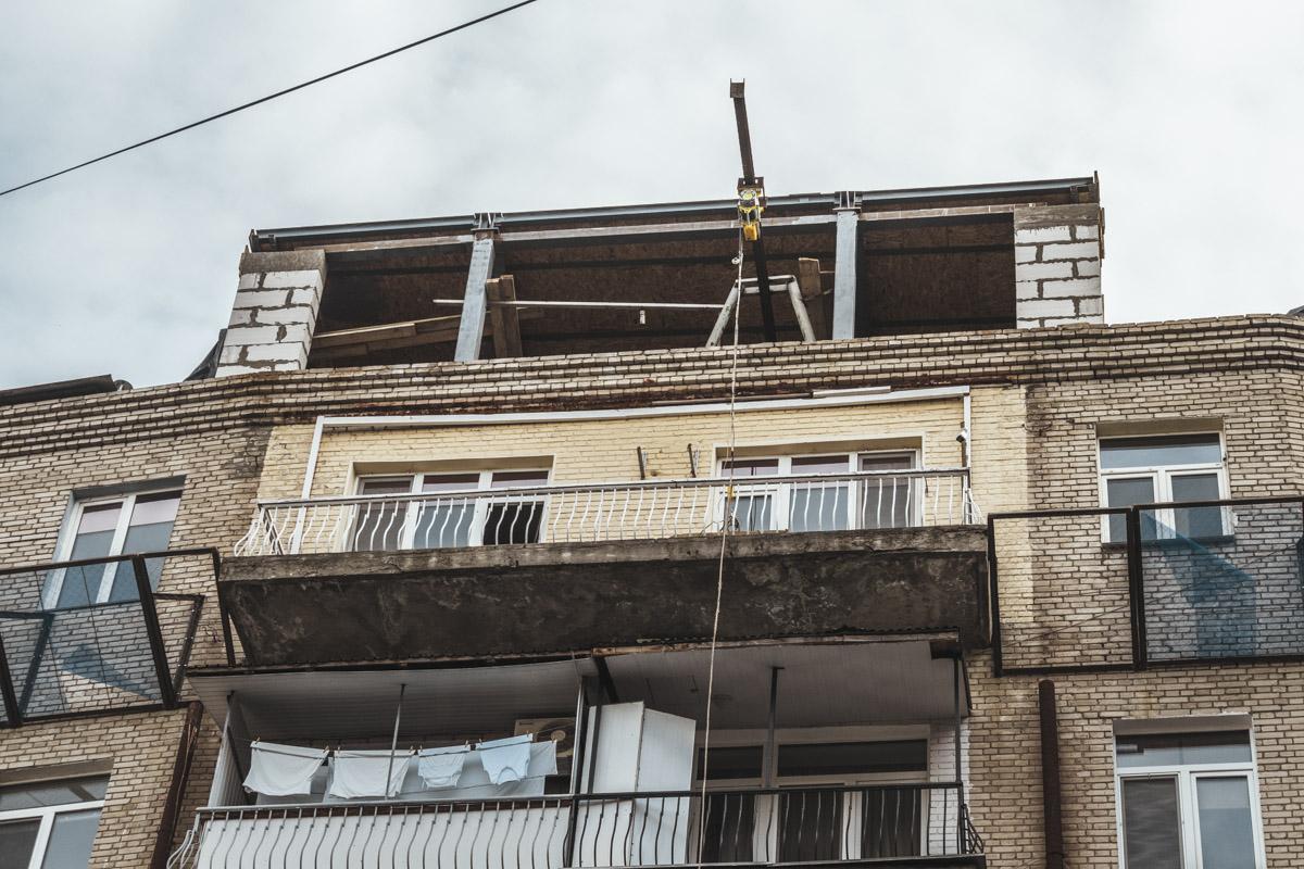 Кроме того, граждане уверены, что подобные строительные работы могут привести к разрушению фасада здания