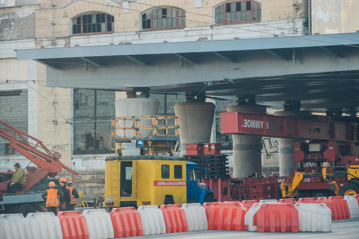На время работ движение по проспекту Победы перекрыли