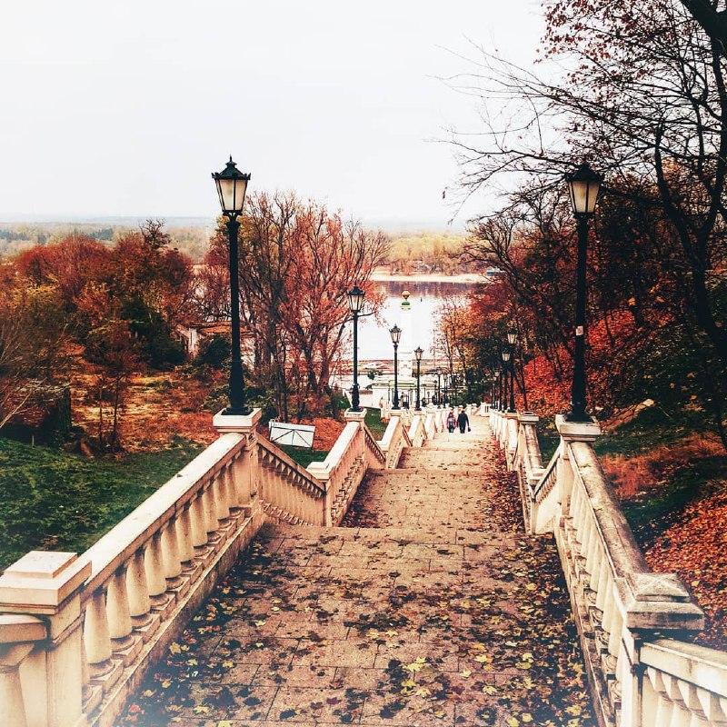 По дороге в ноябрь, оглядывайтесь по сторонам. И оцените красоту, которую запечатлела @ira_pogrebnyak