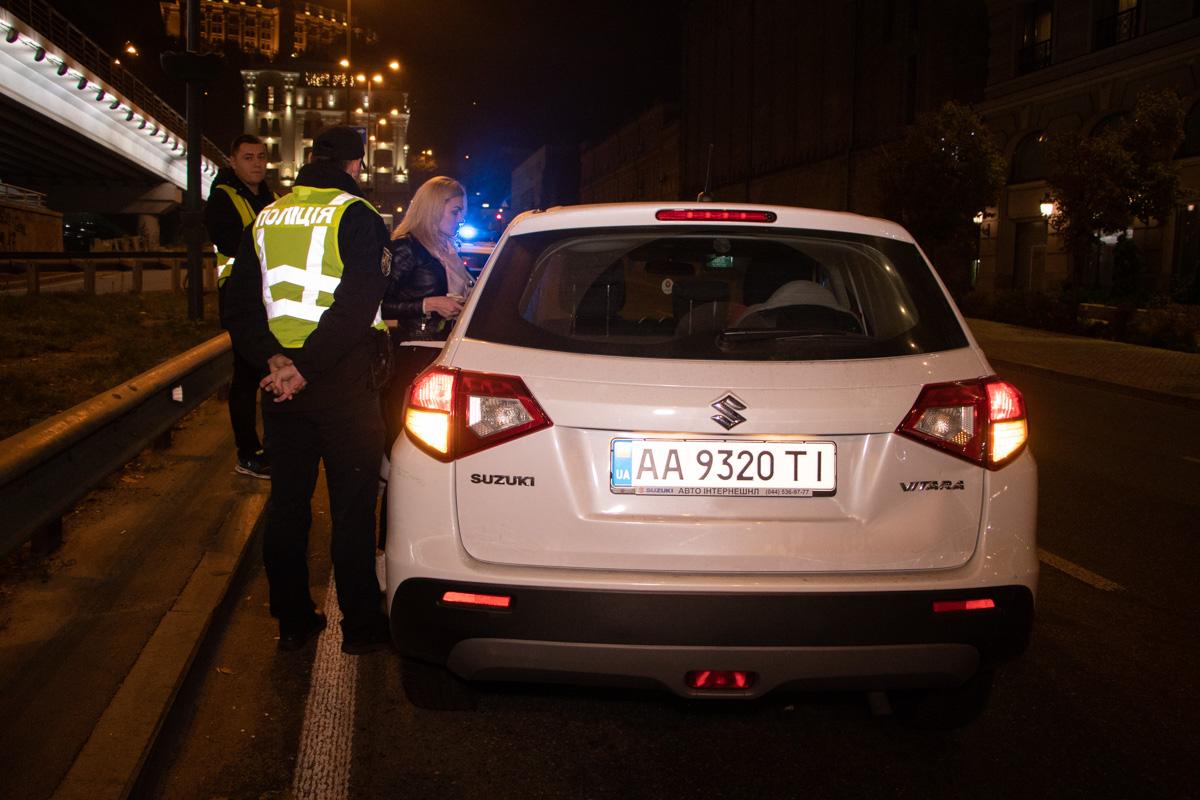 На улице Набережно-Крещатицкая произошла авария с участием автомобиляSuzuki Vitara