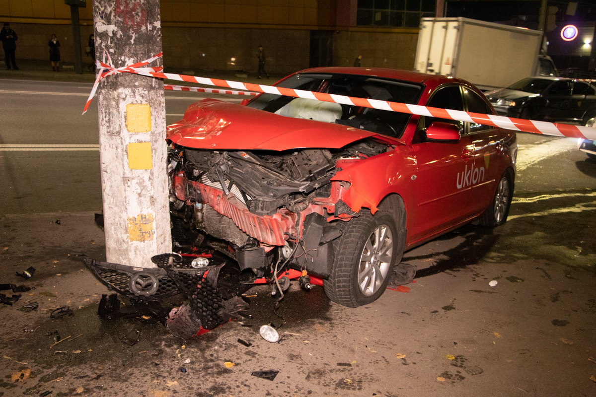 Столкнулись Skoda Octavia и Mazda 3
