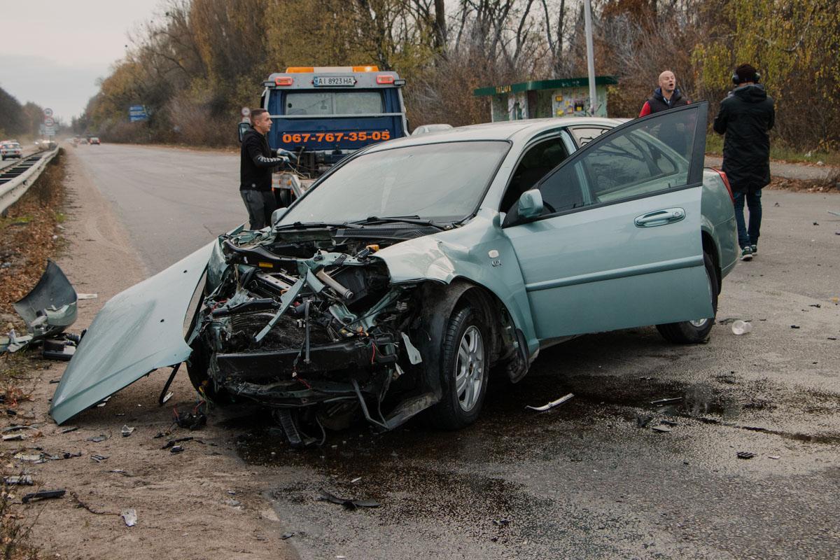 Volkswagen протаранил Chevrolet, который поворачивал
