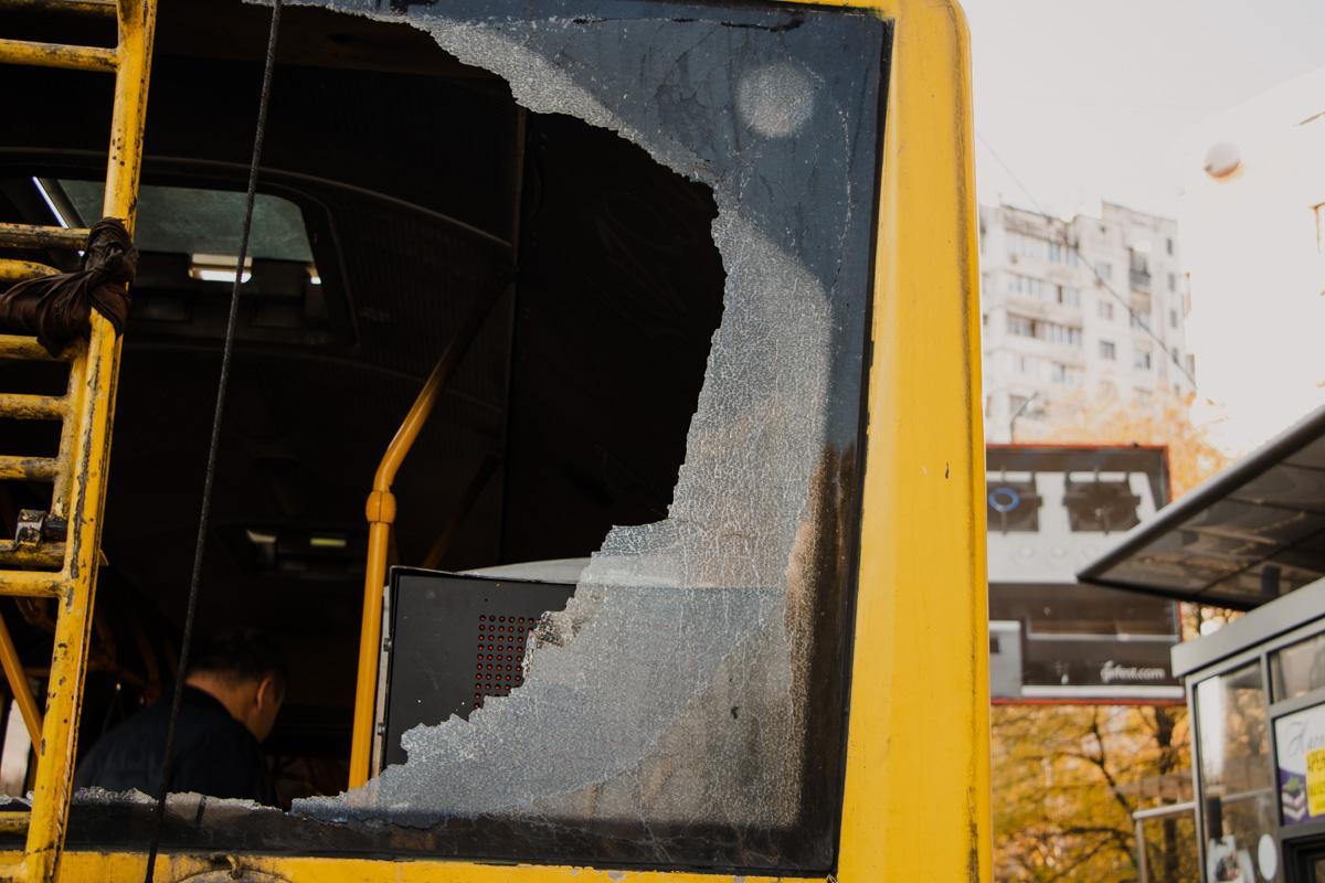 В Киеве на Виноградаре произошло возгорание в троллейбусе №28