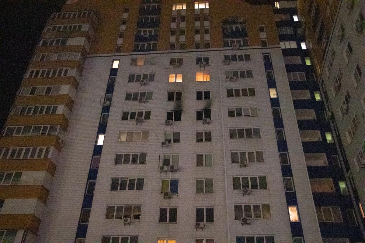 Из-за задымления из дома эвакуировали 21 человека