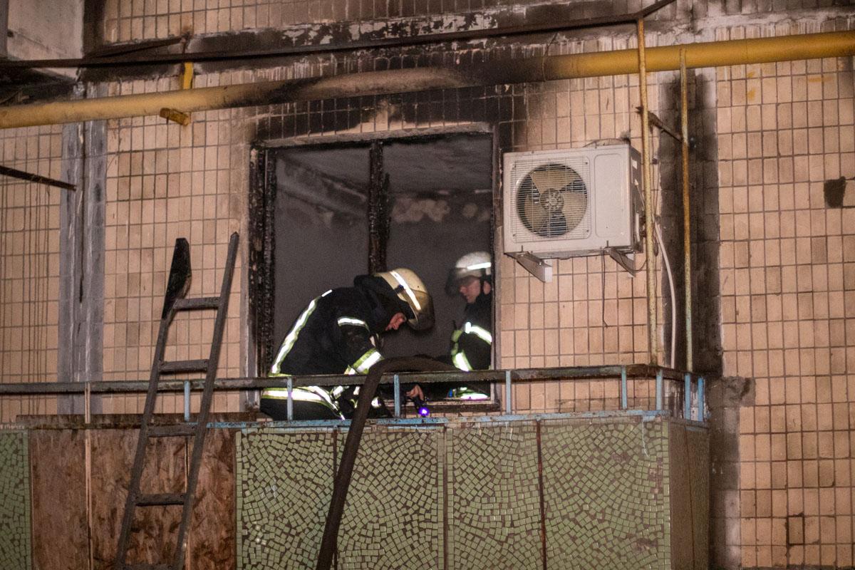 Спустя примерно полчаса с момента вызова пожар удалось ликвидировать