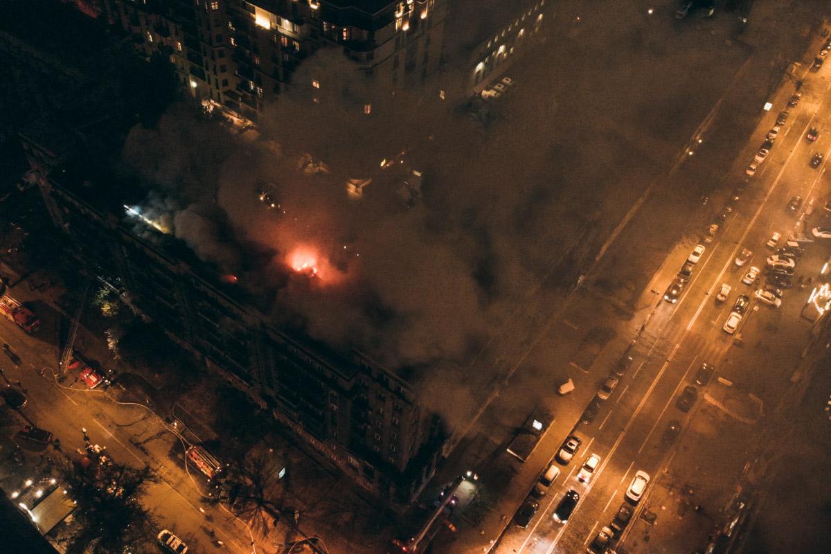 Перед пожаром местные жители слышали хлопки, похожие на взрывы