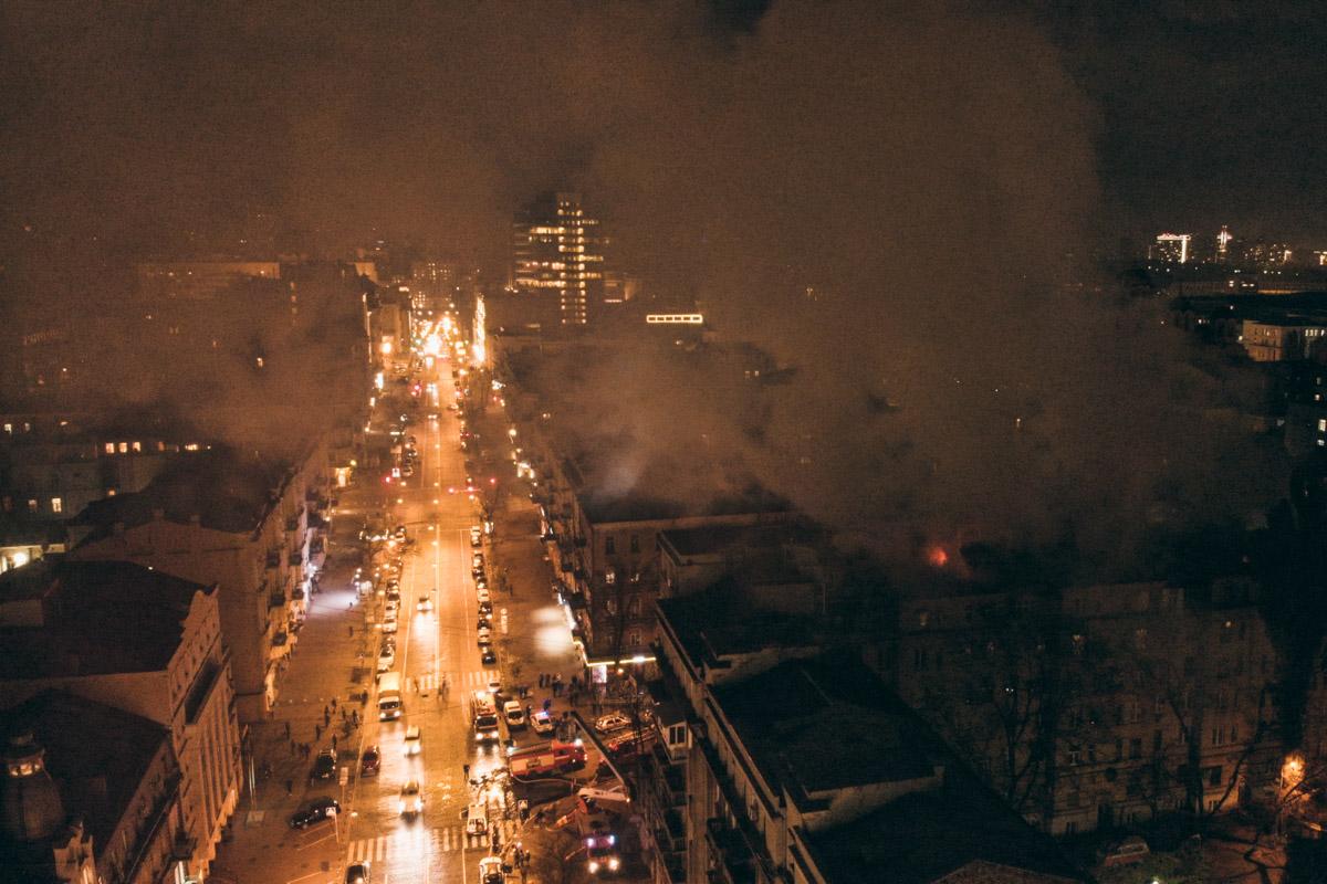 Густой дым окутал окрестности
