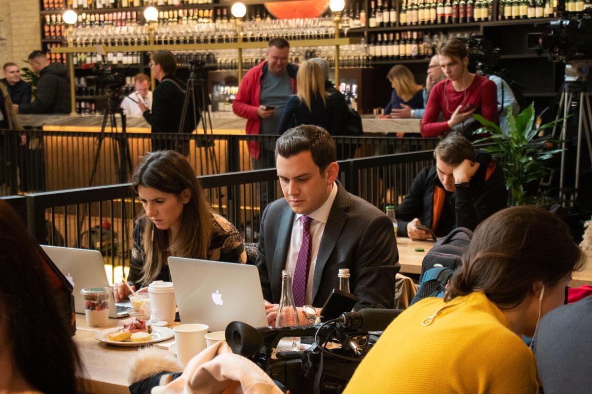 Журналисты могли подкрепиться во время работы