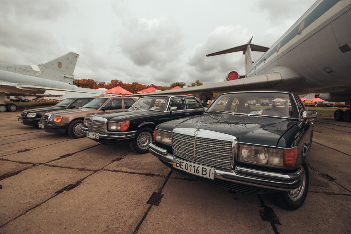 В Государственном музее авиации в Киеве проходит 11-й по счету фестиваль Old Car Land