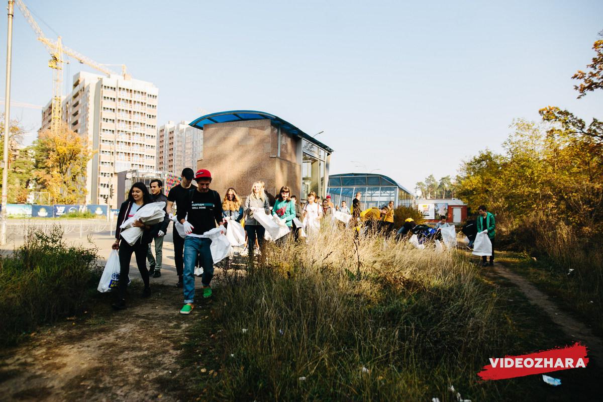 В ходе уборки Никольского леса участники столкнулись с проблемой - закончились мешки для мусора