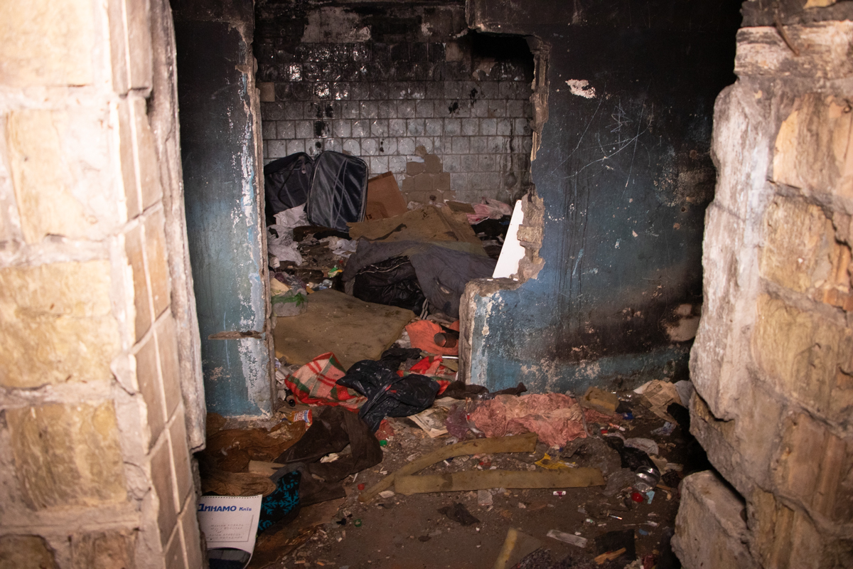 В Дарницком районе Киева по адресу улица Привокзальная, 6 нашли труп мужчины